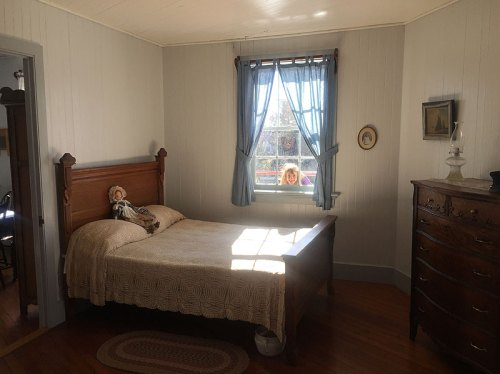 A peek into the lighthouse bedroom