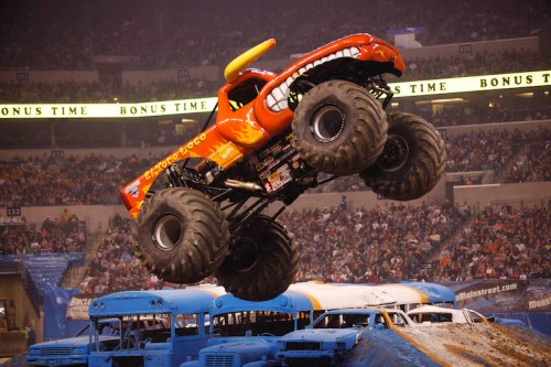 El Toro Loco gets crazy big air | Photo: Ross Dettman