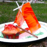 A fun thing to do with kids, Fun things to do with kids in Connecticut, Kid Friendly Recipe, Girl Scout Dessert, Boy Scout Dessert, Camping Dessert, Summer Dessert, Scout Cupcake, Camping cupcake