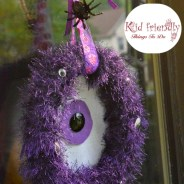 A DIY Monster Wreath Craft For a  Halloween Decoration