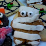 Halloween Cookie Ideas, Halloween Recipe, Halloween Party Idea, A fun thing to do with kids,