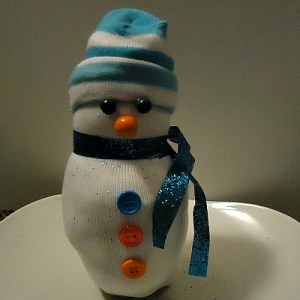 "A ""NO SEW"" Cuddly Snowman Craft"