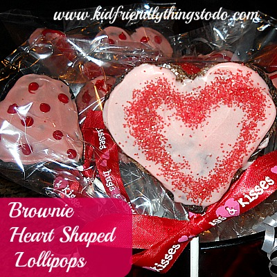 Heart Shaped Brownie Lollipops!