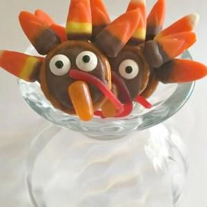 Chocolate Turkey Pretzels - A fun treat for Thanksgiving - KidFriendlyThingsToDo.com