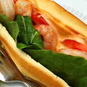 Shrimp Po' Boy Sandwich with Roasted Red Pepper Aioli - KidFriendlyThingsToDo.com