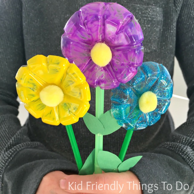 Water Bottle Flowers Craft for Kids