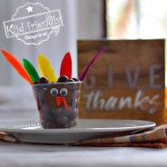 Fun Candy Turkey Treat Cups for a Thanksgiving Food Craft