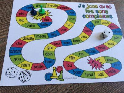 photo d'un jeu de société pour apprendre à lire aux plus jeunes