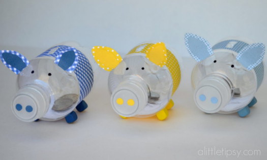 piggy banks from water bottles