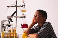 boy_in_sciencelabWEB_early_STEM