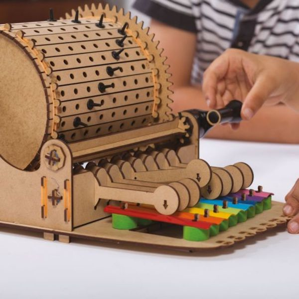 Mechanical toys for kids