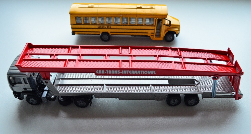 Siku 1:55 Car Transporter and School Bus