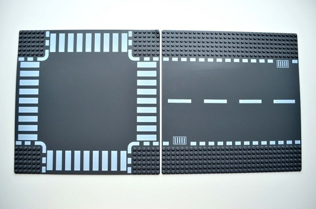 lego-intersection-road-plates