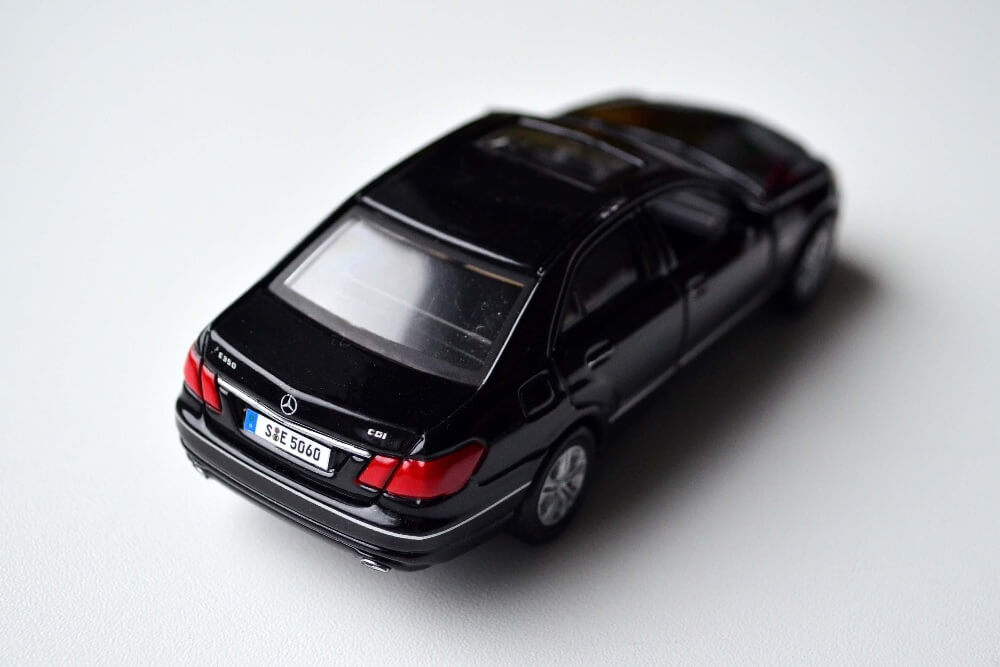 New Maisto diecast Mercedes Benz