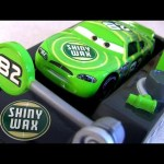 Cars 2 Pit Stop Race-Off Shiny Wax Launcher #82 Disney Pixar toys review by Disneycollector