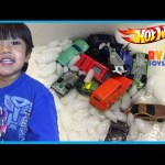 COLOR CHANGERS CARS Hot Wheels Color Shifters Toys Kids Video Ryan ToysReview