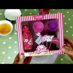 Create your cupcakes. Set for kids with sweet perfume ,special for girls