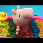 Fun Learning Colors with Peppa Pig Bath Time In Jelly Beans Pretend Play for Children