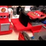 Mack Truck Hauler Playset Disney Cars Rust-eze with Lightning Mcqueen Pixar car-toys review