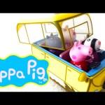 Peppa Pig Camper Van with Peppa Pig, Suzy Sheep, Danny Dog