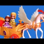Sofia the First Royal Coach Musical Playset with Pegasus & Princess Amber & Royal Family Carriage