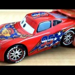 STARS and STRIPES Lightning McQueen Cars 2 toy Disney Pixar Chase review Disneycollector toys