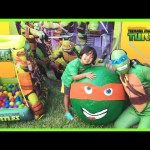 TMNJ SUPER GIANT EGG SURPRISE OPENING Toys Ninja Turtle Nickelodeon Kids Video Ball Pit Nick Jr