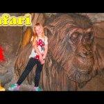 DISNEY SURPRISE ANIMALS Animal Kingdom Surprise Lions + Monkeys Video