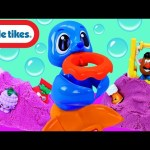 Little Tikes Seal & Surprise Toys in Kinetic Sand Dunk n' Juggle Seal + Happy Meal Toys & Shopkins