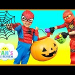 HALLOWEEN TRICK OR TREAT Kids Candy Surprise Toys Prank Halloween Candy Haul Spiderman Superheroes