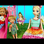 Frozen Elsa's NEW Baby Goes to the Barbie Park Playground with Frozen Kids DisneyCarToys