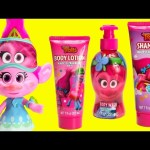 Trolls Poppy Strawberry Hugfest Soaps and Surprises