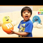 Learn Colors with giant M&M Candy for children
