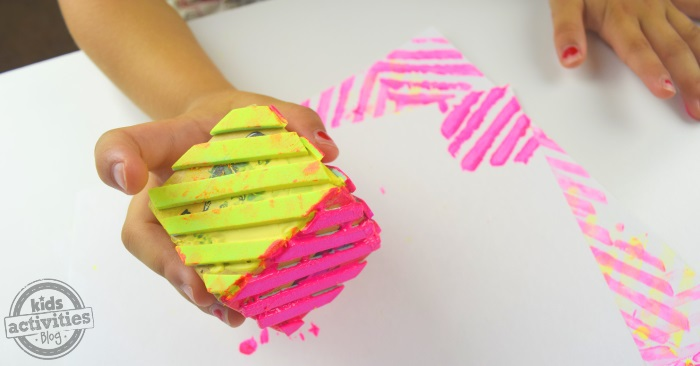 use foam paper to make a stamp