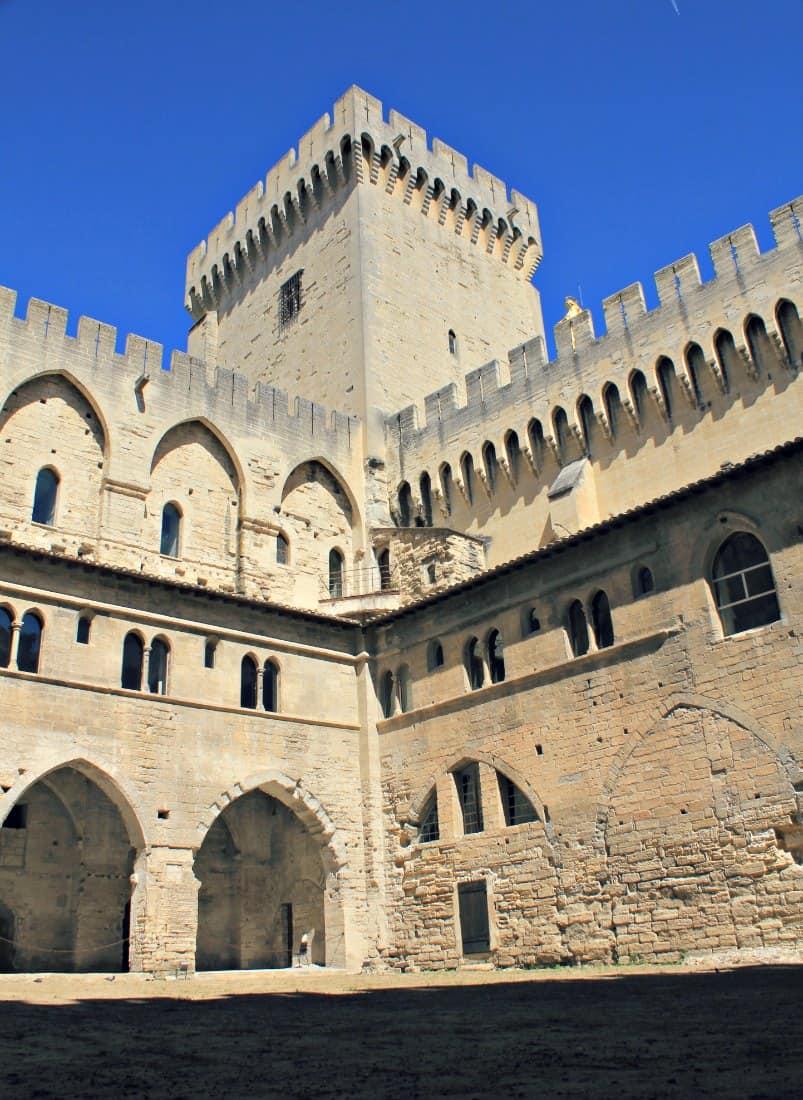 Zwiedzanie Prowansji - Awinion - Pałac papieski