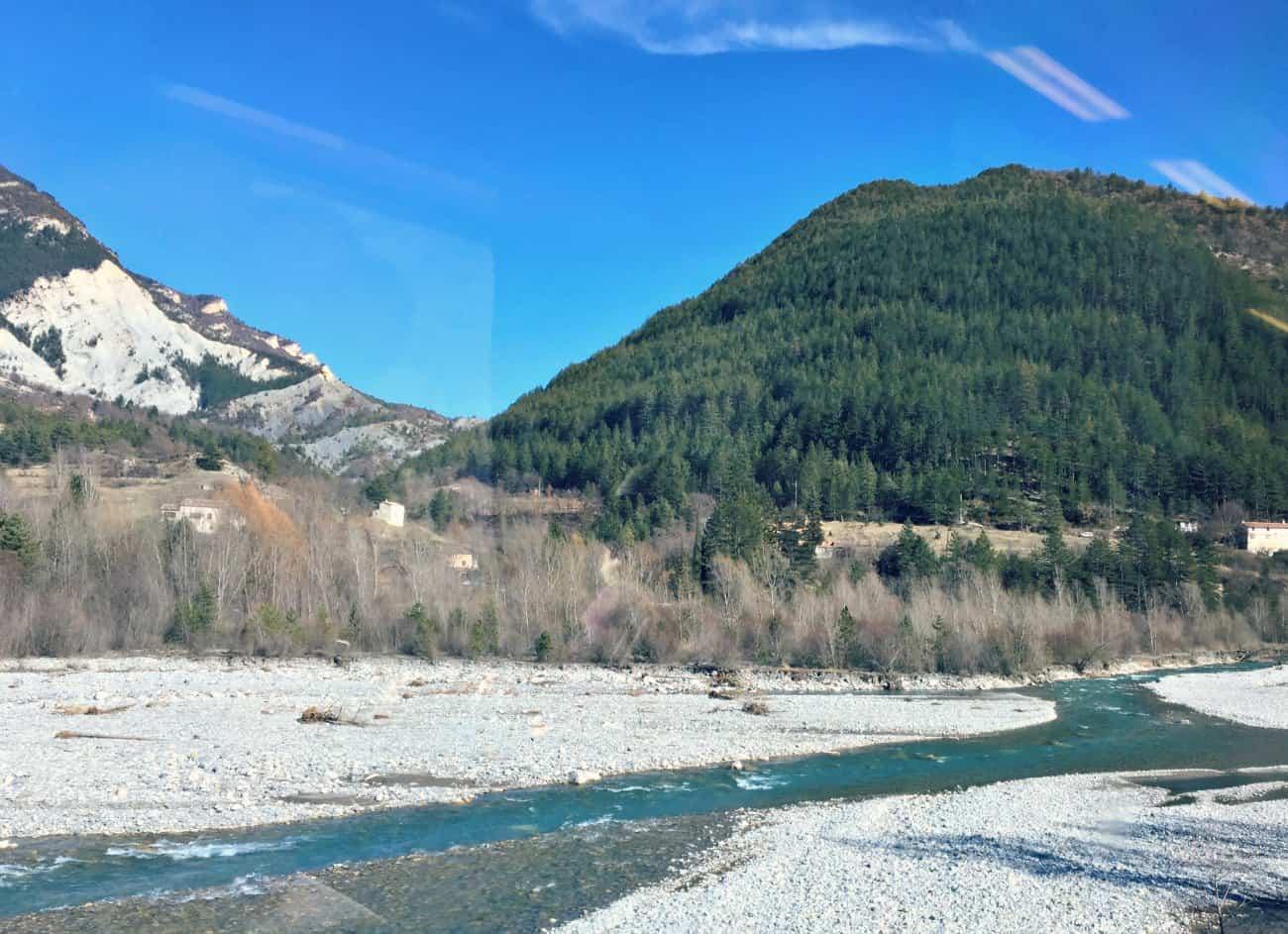 Zwiedzanie Lazurowego Wybrzeża - w stronę Alp