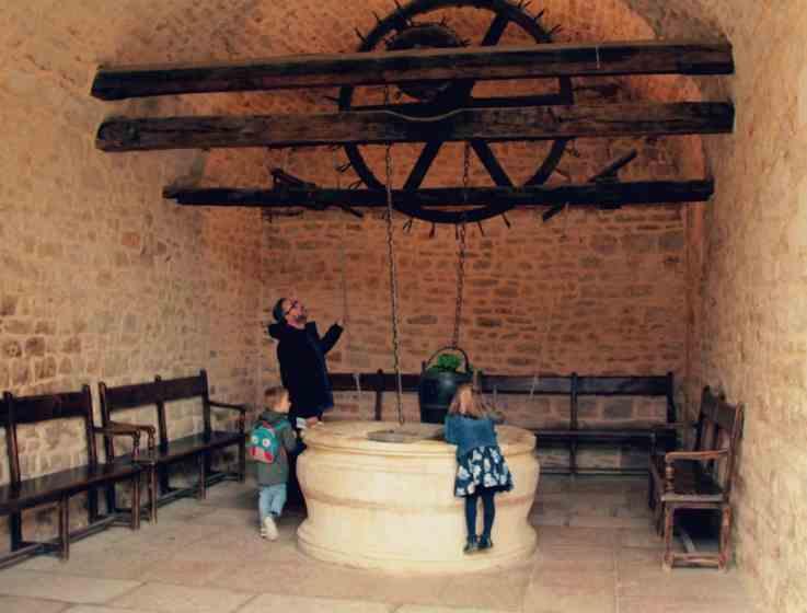 Burgundia z dzieckiem - zamek Vougeot