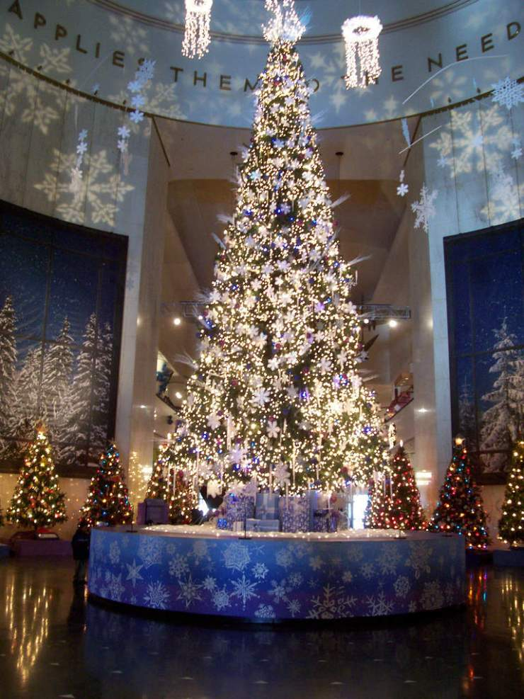 Christmas Tree at Museum of Science & Industry
