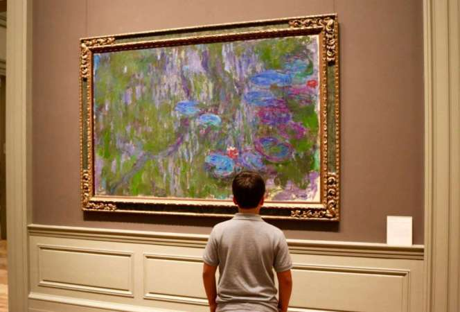 It can be difficult to visit a museum with your family, but here's how to survive a museum with kids. We promise your next trip will be easier. - Kids Are A Trip