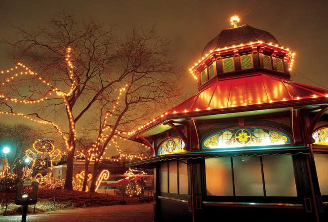Lincoln Park ZooLights Chicago-Kids Are A Trip