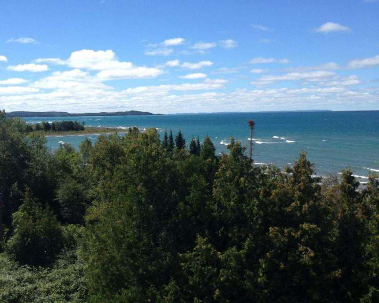 family friendly things to do in traverse city michigan grand-traverse-lighthouse-kids are a trip