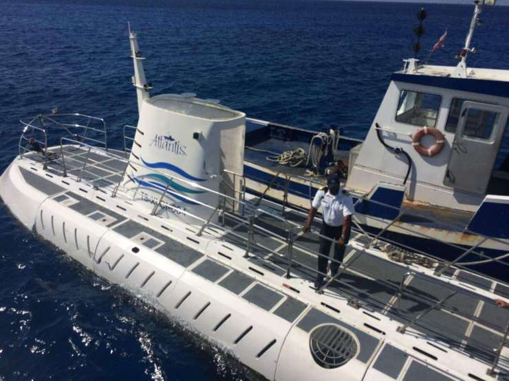 Family Friendly Things to Do in George Town Grand Cayman - Atlantis Submarines - Kids Are A Trip