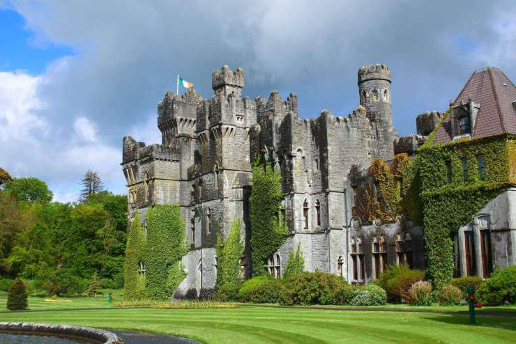 Things to do in Ireland with Kids Castle Stays-Kids Are A Trip
