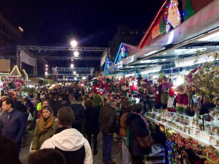 Barcelona Spain Christmas Market-Kids Are A Trip