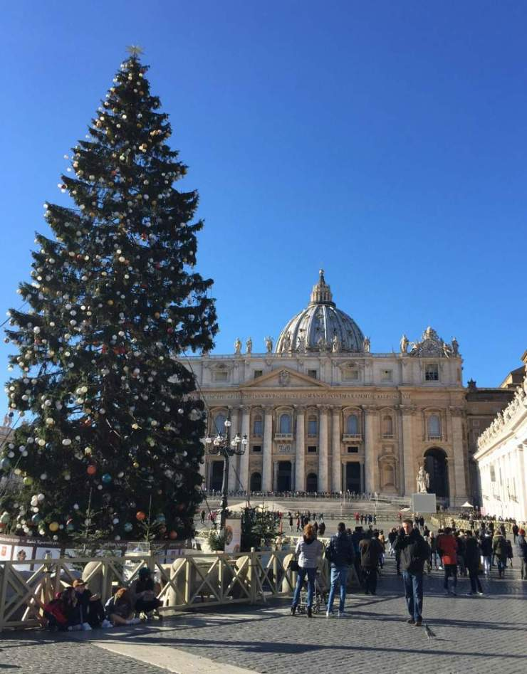 Best Christmas Markets in Europe Rome-Kids Are A Trip