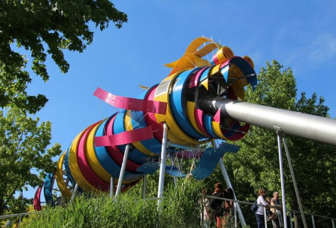 Kids don't want to see all the museums in Paris, they wants some time for play too. Here are some of the best playgrounds in Paris for families. - Kids Are A Trip
