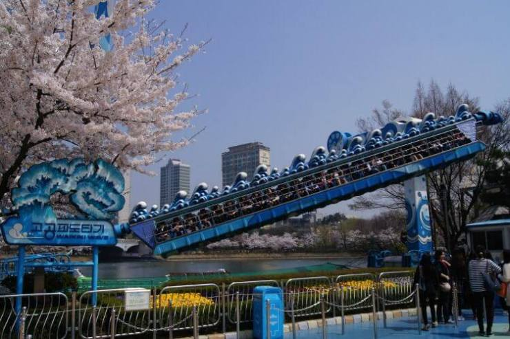 Things-to-Do-in-Seoul-with-Teens-Lotte-World-Kids-Are-A-Trip