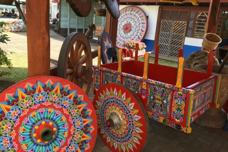 Costa-Rica-traditions-Sarchi-Artisan-Village-Kids-Are-A-Trip