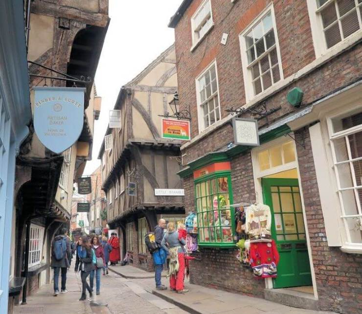 Things-to-do-in-York-Shambles-Diagon-Alley-Kids-Are-A-Trip