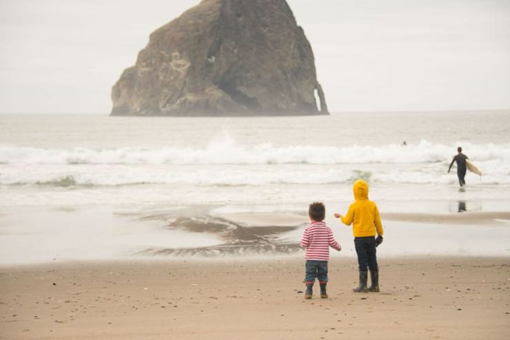 Pacific-City-Oregon-beach-Kids-Are-A-Trip